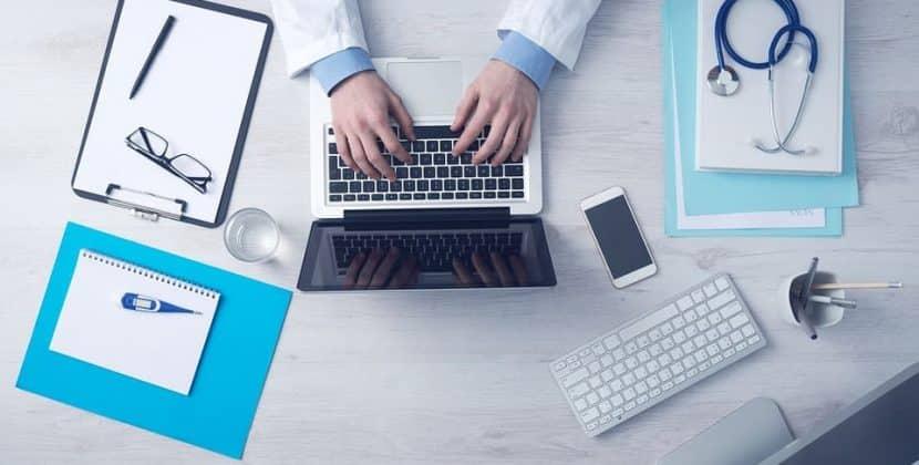 Blockchain Transforming Healthcare Technology-min